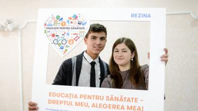 Photo of foto | Își sacrifică timpul liber pentru a face lumea mai frumoasă. O elevă din Rezina, desemnată cea mai activă voluntară a anului 2018