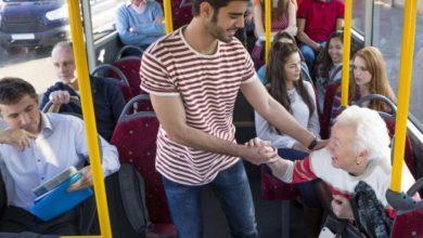 Photo of Sfaturi ZUGO | 10 reguli elementare când călătorești cu transportul public: Nu e necesar să cedezi locul persoanelor în vârstă