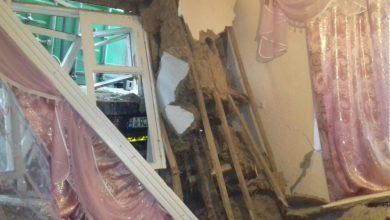 Photo of foto | Cu locuința distrusă în plină iarnă. Un camion a intrat într-o casă din Cahul, derapând de pe șosea