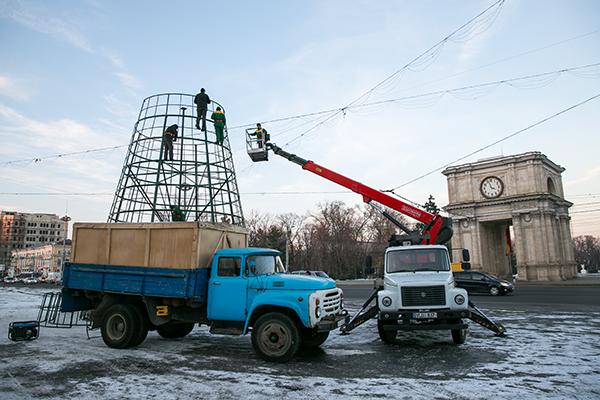 Photo of Gata cu atmosfera de sărbătoare în centrul capitalei. Când va fi demontat principalul brad al țării?