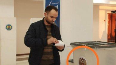 Photo of Scrutin cu surprize: Alegătorii din Comrat ar fi aruncat buletinele în urne cu stema Federației Ruse