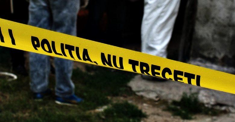 Photo of Poliția a reținut doi suspecți în cazulbărbatului din Ialoveni care a fost găsit mort în propria baie