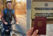 """Photo of foto   """"Când țara te cheamă"""". Un tânăr din diasporă a mers 3 ore cu bicicleta pentru a ajunge la cea mai apropiată secție de votare"""