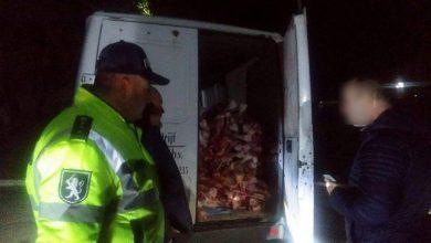 Photo of foto | Sute de kilograme de carne fără acte de proveniență, confiscate. Unde urma să ajungă marfa și ce riscă transportatorul?