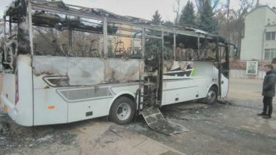 Photo of foto   Un autobuz de pe ruta Chișinău- Iași a ars în sectorul Rîșcani. Proprietarul susține că vehiculul ar fi fost incendiat