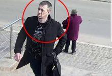 Photo of video | Intra în școli și fura genți. Un bărbat din capitală, căutat de poliție pentru că ar fi comis mai multe jafuri
