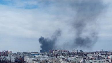Photo of video | Incendiu de vegetație în orășelul Codru: Internauții au surprins un nor dens de fum deasupra Botanicii