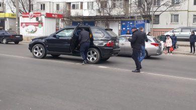 Photo of Accident în sectorul Centru al capitalei. O femeie și un copil, loviți pe trecea de pietoni