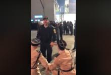 """Photo of video   S-au așezat în genunchi în fața inspectorilor moldoveni. """"Polițiștii francezi"""" și-au manifestat recunoștința față de colegii din Moldova"""