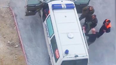 Photo of video | Un bărbat în stare de ebrietate ar fi fost bătut cu bâta de paznicii de la Spitalul Sfânta Treime. Reacția instituției