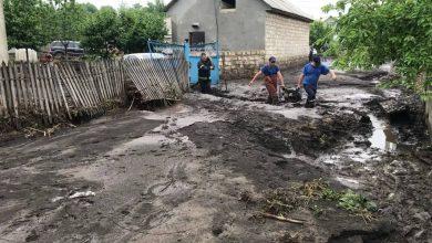 Photo of foto   Ploaia de ieri a făcut prăpăd la Șoldănești: Unii au rămas fără grădini, alții – fără beciuri și acoperișuri