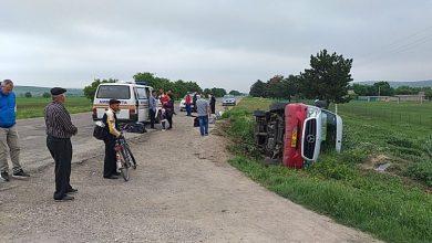 Photo of foto   Accident în raionul Telenești: Un microbuz cu șase persoane s-a răsturnat, iar un minor a fost transportat la spital