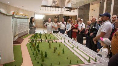 Photo of foto | Parlamentul și-a deschis ușile pentru vizitatori. Peste 200 de oameni au admirat instituția, iar unii au primit și premii