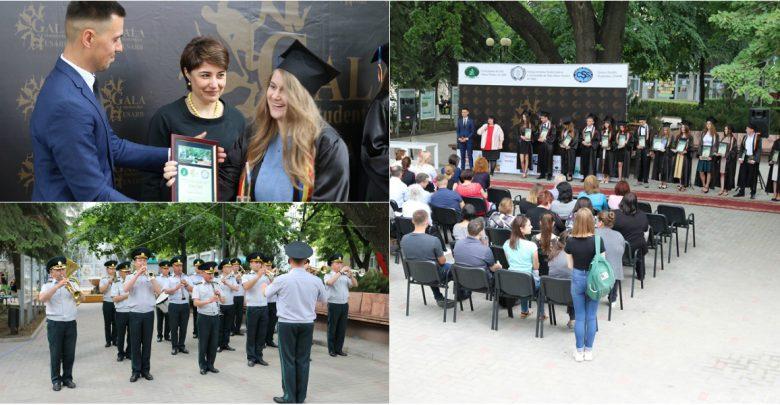 """Photo of foto   Activi și sârguincioși: 16 studenți de la Universitatea de Stat """"Alecu Russo"""" din Bălți au fost premiați pentru reușite"""