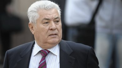 """Photo of """"Pentru mine e o lovitură grea"""". Vladimir Voronin, supărat foc pe fiul său Oleg: O să fie tare mari """"razborci"""""""