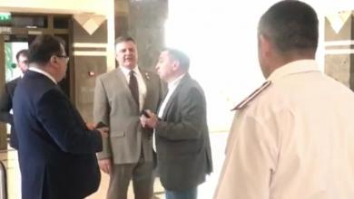 Photo of video   Ambasadorul UE în Moldova nu este lăsat să intre la ședința Parlamentului. Paza spune că nu știe nimic despre întrunire