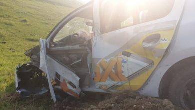 Photo of foto | Accident fatal la Sângerei. O mașină de taxi s-a izbit într-un pilon, s-a inversat și a căzut într-un șanț de scurgere