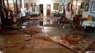 Photo of foto | Ploile abundente au inundat un locaș sfânt din Soroca: Bunurile unei biserici din centrul orașului plutesc în apă
