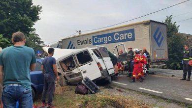 Photo of Mai mulți moldoveni au fost victimele unui accident în România. Cinci persoane, transportate la spital