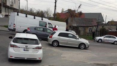 Photo of foto, video   Accident în lanț în capitală. Strada Vadul lui Vodă, blocată pe ambele sensuri