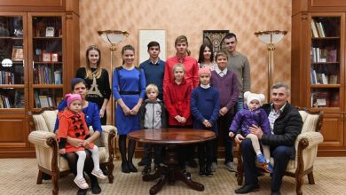 Photo of foto   Unei familii cu 11 copii din Fălești i s-ar fi cerut returnarea ajutorului social. Reacția președintelui țării noastre?