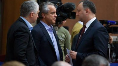 Photo of video | De ce nu i-a retras Ordinul Republicii lui Plahotniuc când era președinte? Cum răspunde Dodon