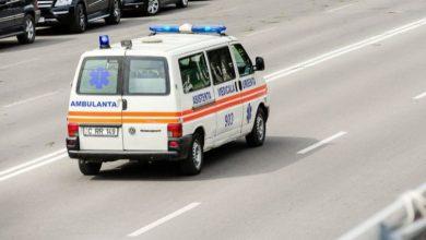 Photo of Tragedie într-o suburbie a Chișinăului. Un bărbat a ajuns în stare gravă la spital după un accident rutier