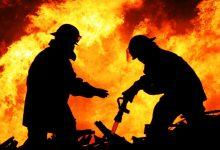 Photo of video | Un garaj din Chișinău a fost cuprins de flăcări. În interior se afla și un automobil