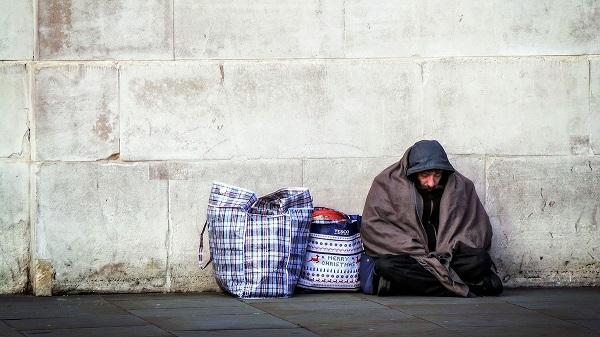 Photo of Nu au unde se refugia, dar speranța lor poți fi chiar tu! Cum poți ajuta oamenii fără adăpost pe vreme de pandemie (și nu doar)?