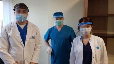 Photo of Un grup de studenți produce ecrane de protecție pentru medici. Au fost repartizate deja 2000 de viziere