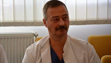 Photo of video | A tratat pacienți pe front și a efectuat mii de intervenții pe ambele maluri ale Prutului. Un doctor originar din Fălești a preluat conducerea spitalului din Suceava