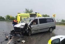 Photo of foto, video | Grav accident în apropiere de Peresecina. Un microbuz și un camion s-au tamponat puternic