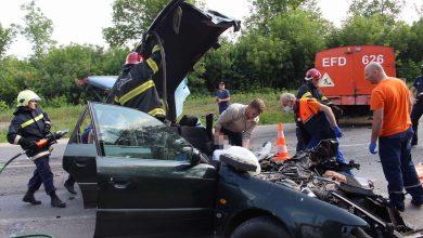 Photo of video | Grav accident la Bălți. Un tânăr de 24 de ani a rămas blocat între fiarele automobilului pe care îl conducea