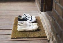 Photo of foto   Zeci de locuitori dintr-un cartier al Berlinului au rămas fără pantofi. Cine le-a furat încălțămintea?