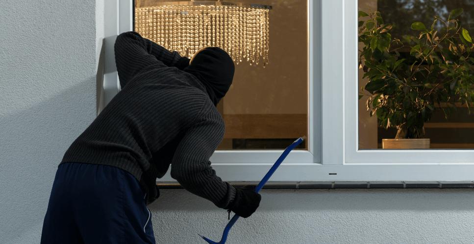 jaf fereastră furt