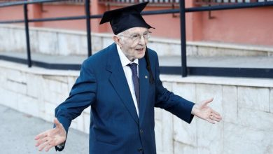 Photo of foto | Absolvent la 96 de ani. Povestea bătrânului care a trecut prin război, foame și epidemia de coronavirus