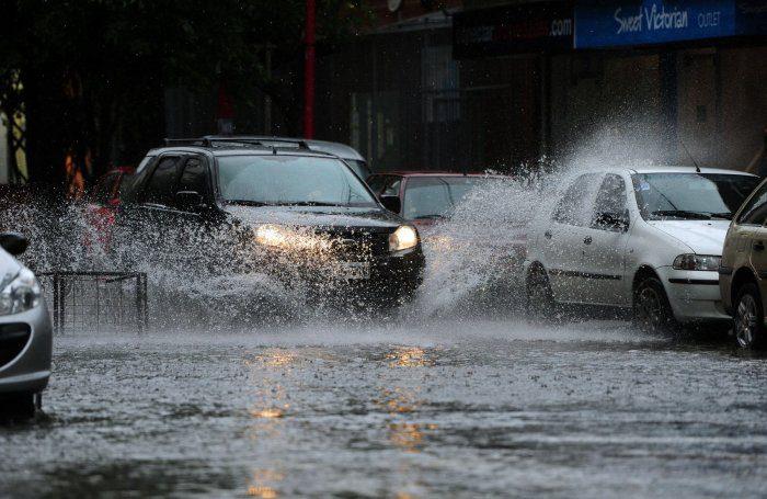 Photo of În atenția șoferilor! Din cauza inundațiilor s-a sistat circulația pe câteva străzi de la Ciocana