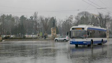 Photo of Mai multe rute de troleibuz din capitală se deplasează cu întârzieri. Străzile pe care este blocată circulația lor