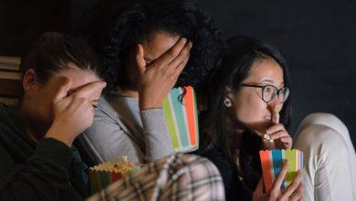 Photo of video | Ai curaj să le privești cu lumina stinsă? 10 filme de groază, potrivite pentru seara de Halloween