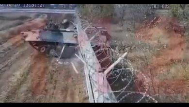 Photo of video | Momentul în care un tanc rusesc greșește drumul și intră într-un aeroport internațional. Tanchistul a fost arestat
