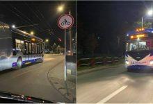 Photo of foto | Troleibuzele noi au ieșit la o plimbare nocturnă pe străzile capitalei. Cum arată vehiculele articulate?