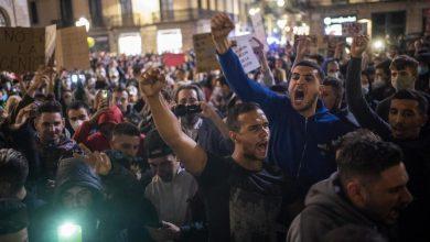 Photo of foto, video | Proteste violente la Barcelona: Oamenii sunt nemulțumiți de restricțiile anticoronavirus