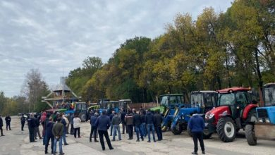 Photo of video | Protestele agricultorilor nu au contenit! Fermieri din mai multe raioane au ieșit luni pentru a cere acțiuni de la Guvern