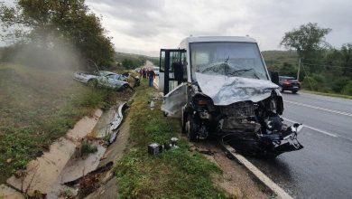Photo of foto   Ploaia și viteza au făcut victime! O persoană a decedat, iar patru au fost rănite după ce un BMW s-a tamponat cu un microbuz la Ialoveni