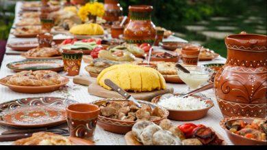 Photo of Sărbătorim Ziua Vinului acasă! ZUGO îți recomandă cum să combini 10 bucate tradiționale moldovenești cu licoarea potrivită