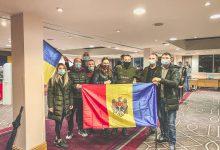 Photo of foto | Ce au făcut peste 350 de alegători din Londra când nu au mai rămas buletine? O moldoveancă povestește atmosfera de la prezidențiale