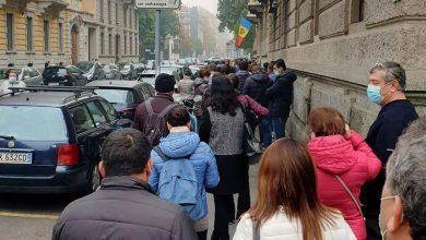 Photo of Aglomerații în mai multe secții de votare de peste hotare. Sute de oameni așteaptă pentru a-și alege președintele