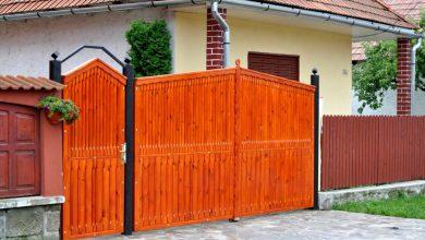 Photo of Porțile gospodăriilor primarului și președintei secției de votare din Gotești au fost vopsite în noaptea dinaintea alegerilor