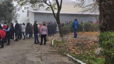 Photo of video | Rânduri imense și la secțiile de votare pentru cetățenii din Transnistria. Votanții nu ar respecta regulile de prevenire a virusului COVID-19