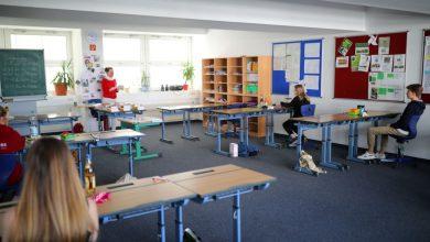 Photo of foto, video | Modul în care se răspândește COVID-19 în săli de clasă și baruri. Cum poate fi evitată infectarea în masă